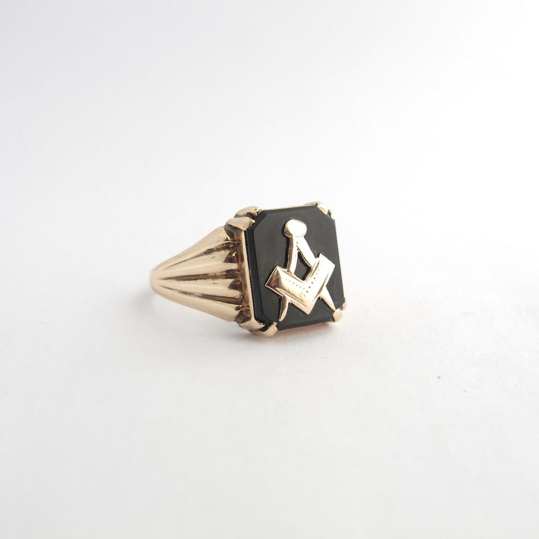 Men's 9ct rose gold vintage 'Masonic' signet ring image 1