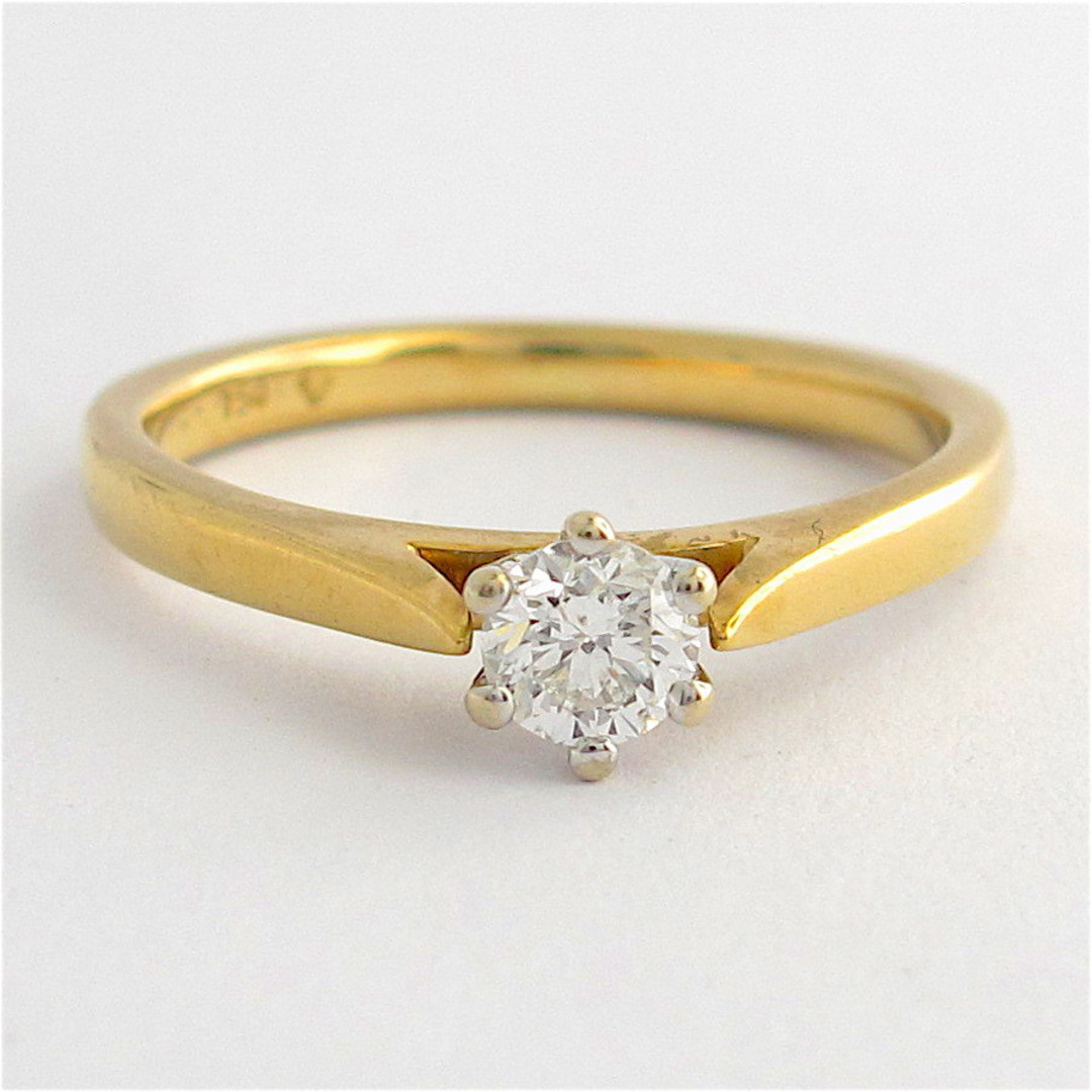 18ct yellow gold diamond solitaire ring image 0