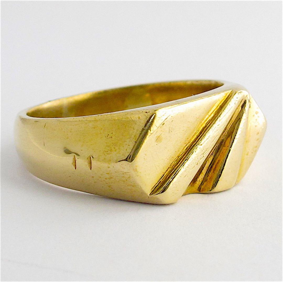 9ct yellow gold dress ring image 1