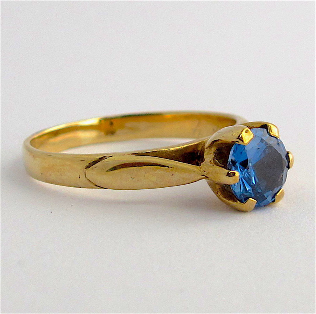 9ct yellow gold synthetic blue spinel ring image 1
