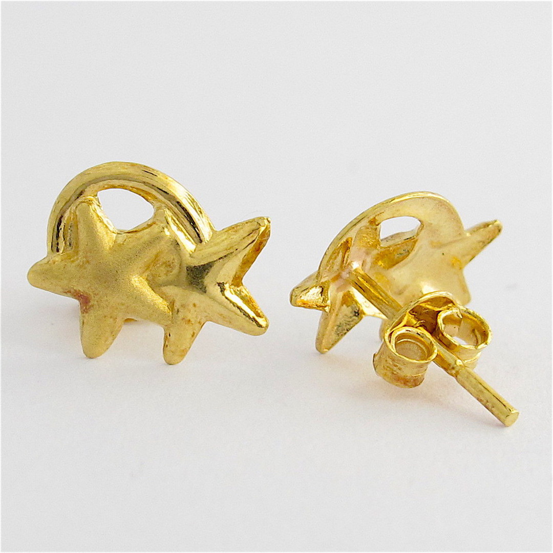 18ct yellow gold star stud earrings image 1