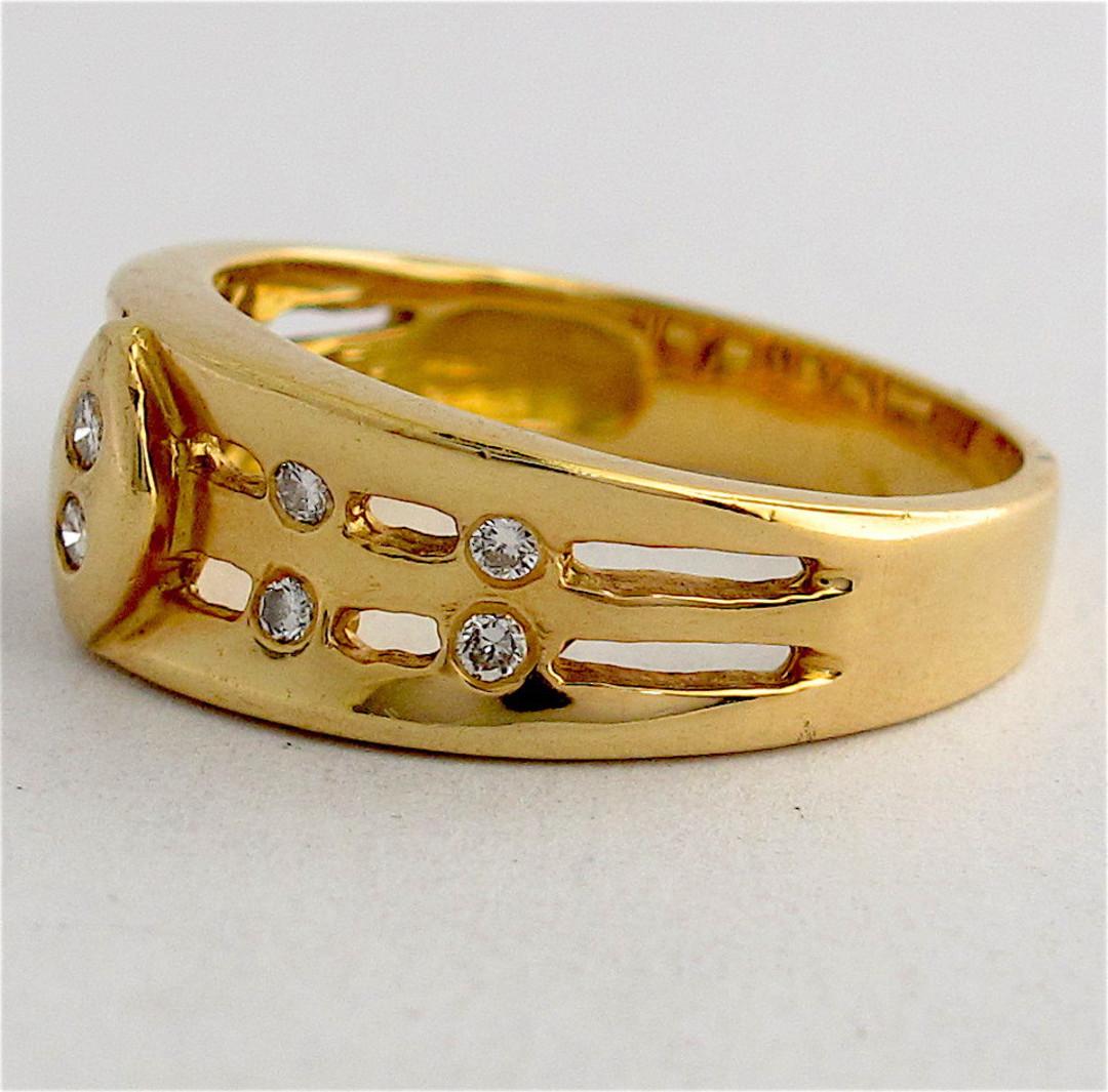 Unisex 18ct yellow gold diamond set dress ring image 1