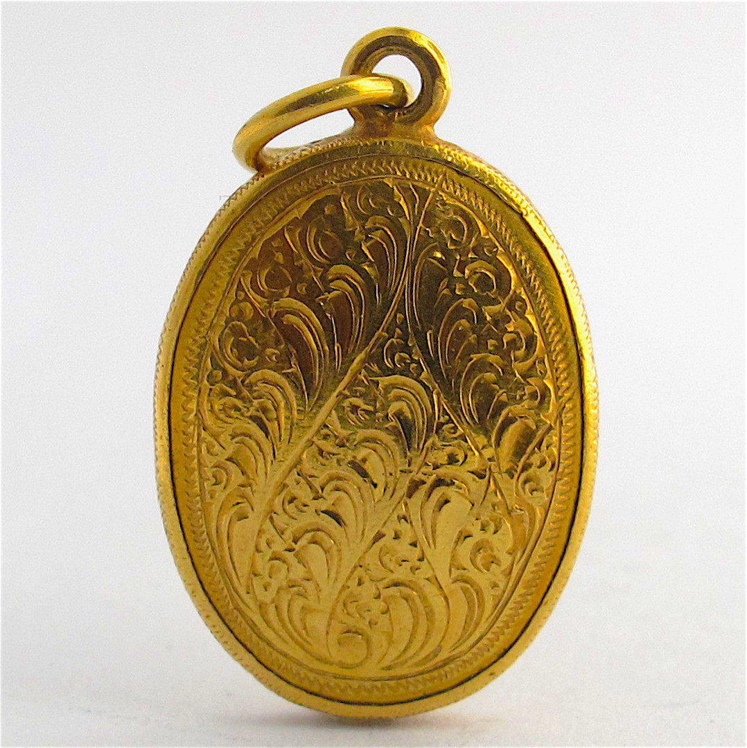 18ct yellow gold Indian enamelled charm image 1