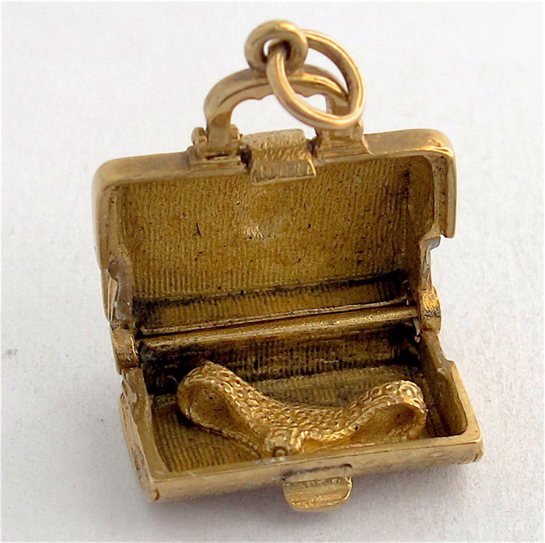 9ct yellow gold suitcase charm image 1