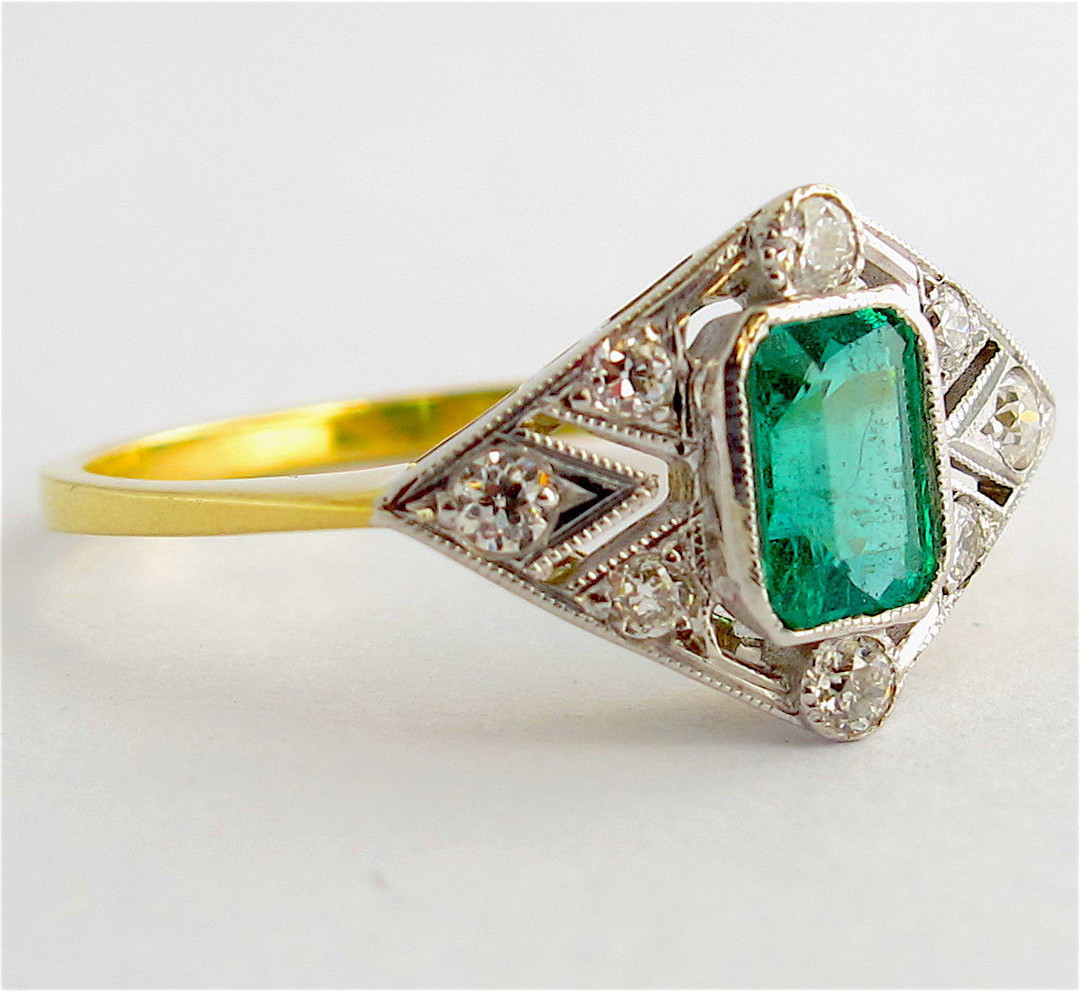 18ct yellow & white gold Art Deco style emerald and diamond ring image 1