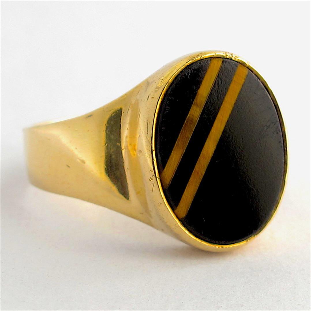 Men's 9ct yellow gold onyx/tigers eye dress ring image 0