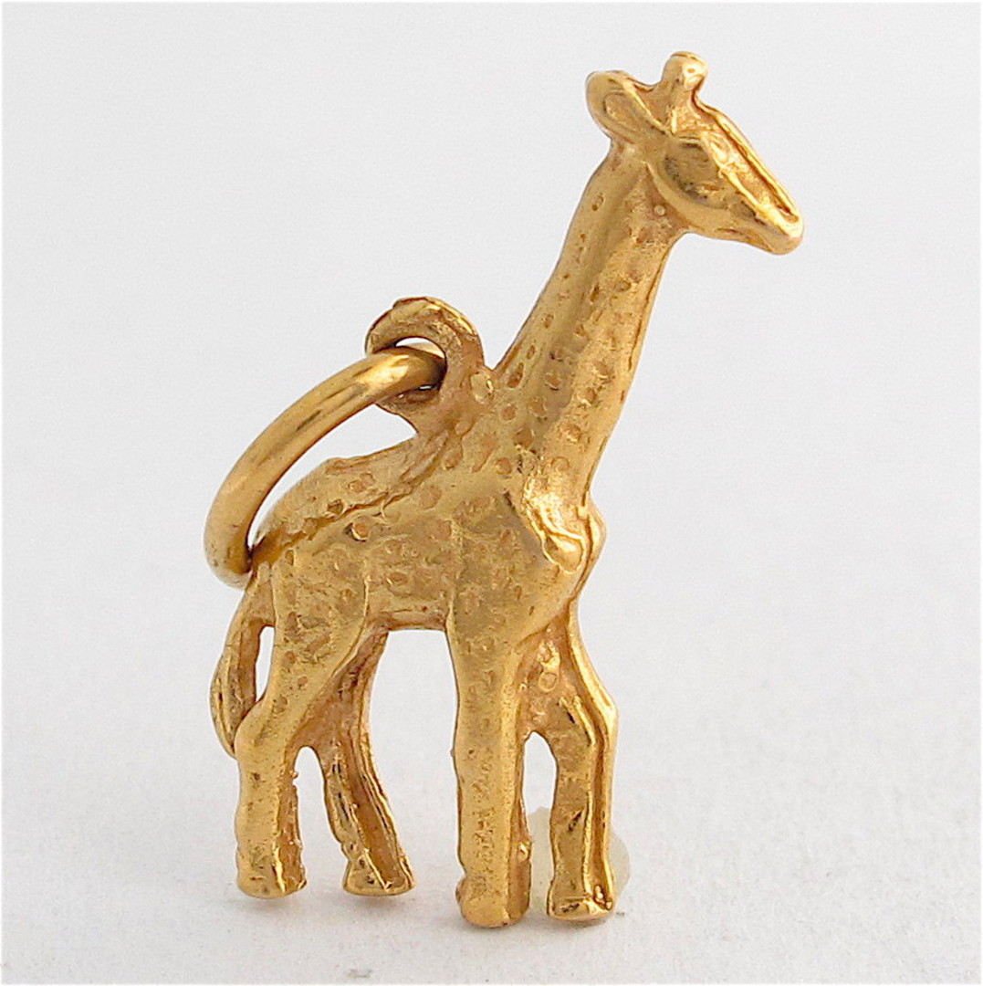 9ct yellow gold giraffe charm image 0
