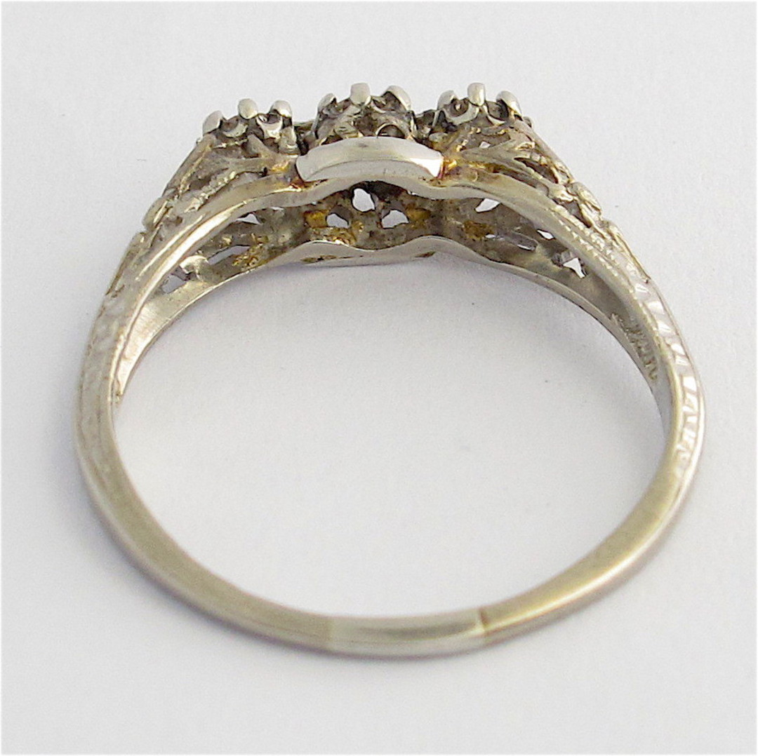 18ct white gold and platinum vintage three stone diamond set ring image 2