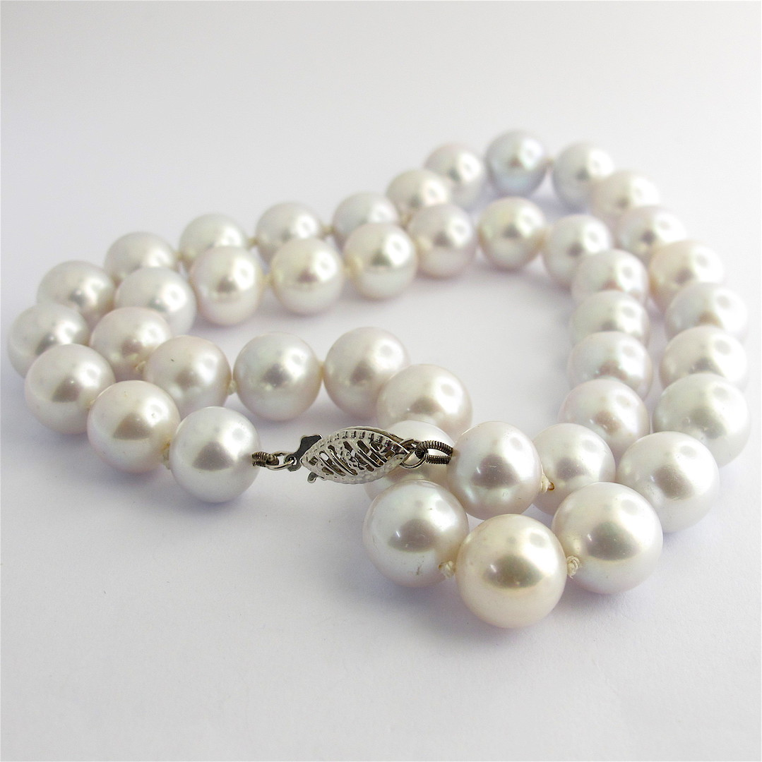 Silver freshwater pearl necklace image 0