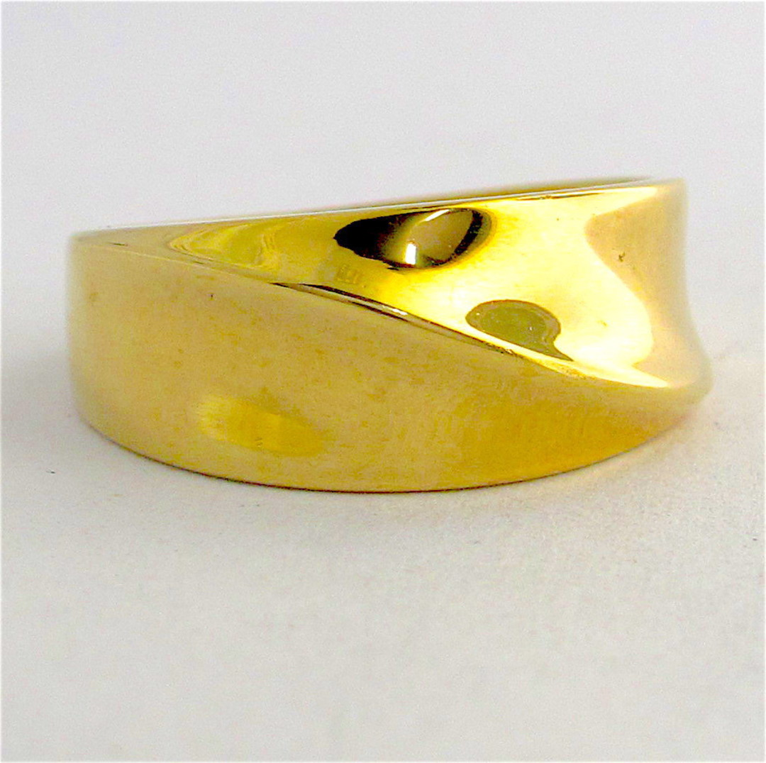 9ct yellow gold fancy band image 0