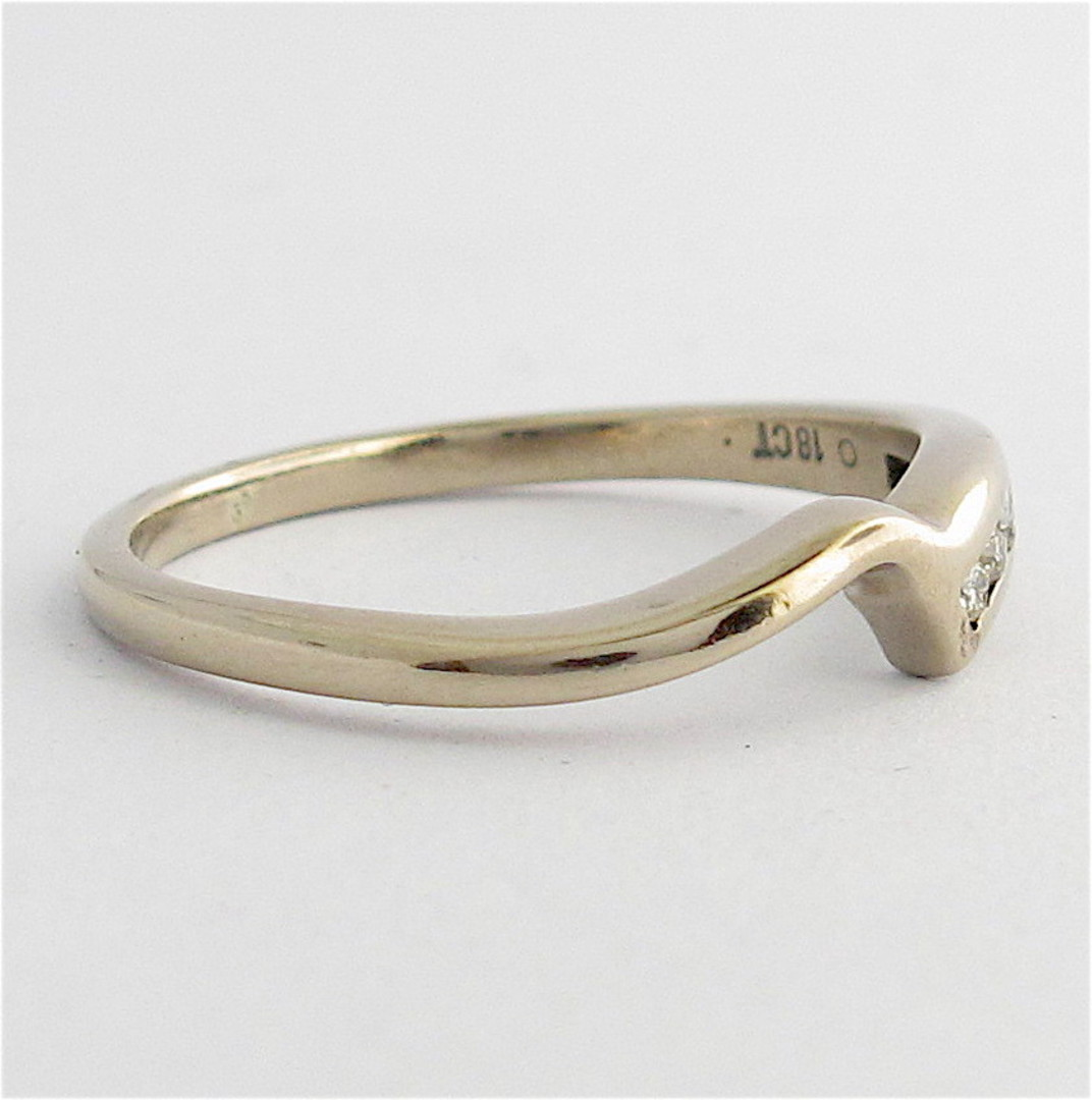 18ct white gold curved diamond band image 1