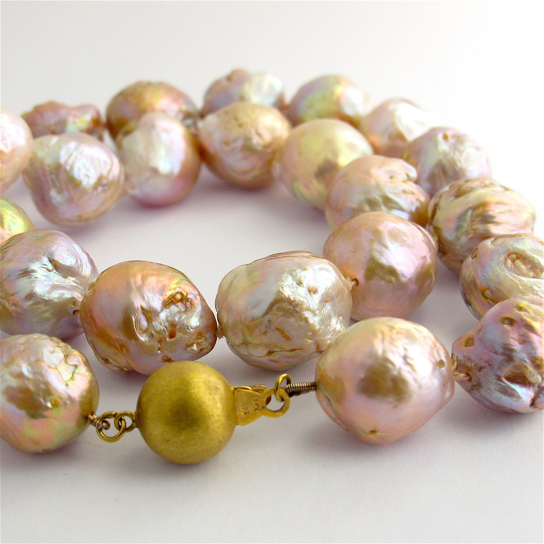 Gold/pink baroque freshwater pearl necklace with 14ct yellow gold clasp image 1