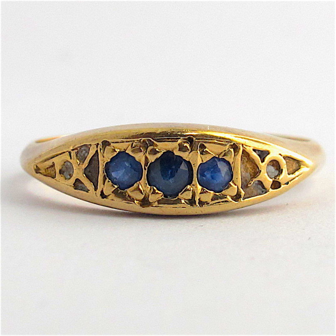 9ct yellow gold vintage style sapphire dress ring image 0