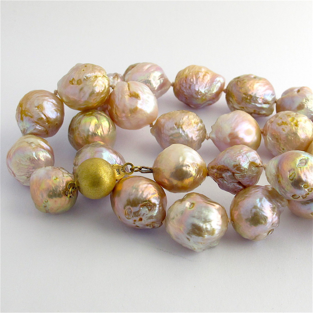 Gold/pink baroque freshwater pearl necklace with 14ct yellow gold clasp image 0