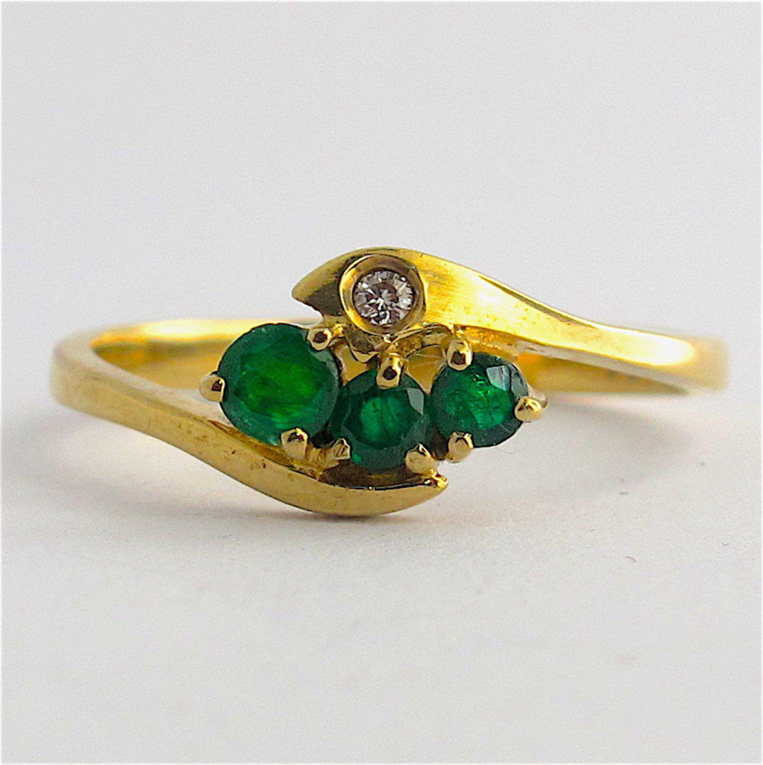 9ct yellow gold natural emerald and diamond ring image 0
