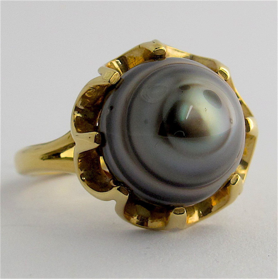 18ct yellow gold black pearl ring image 0