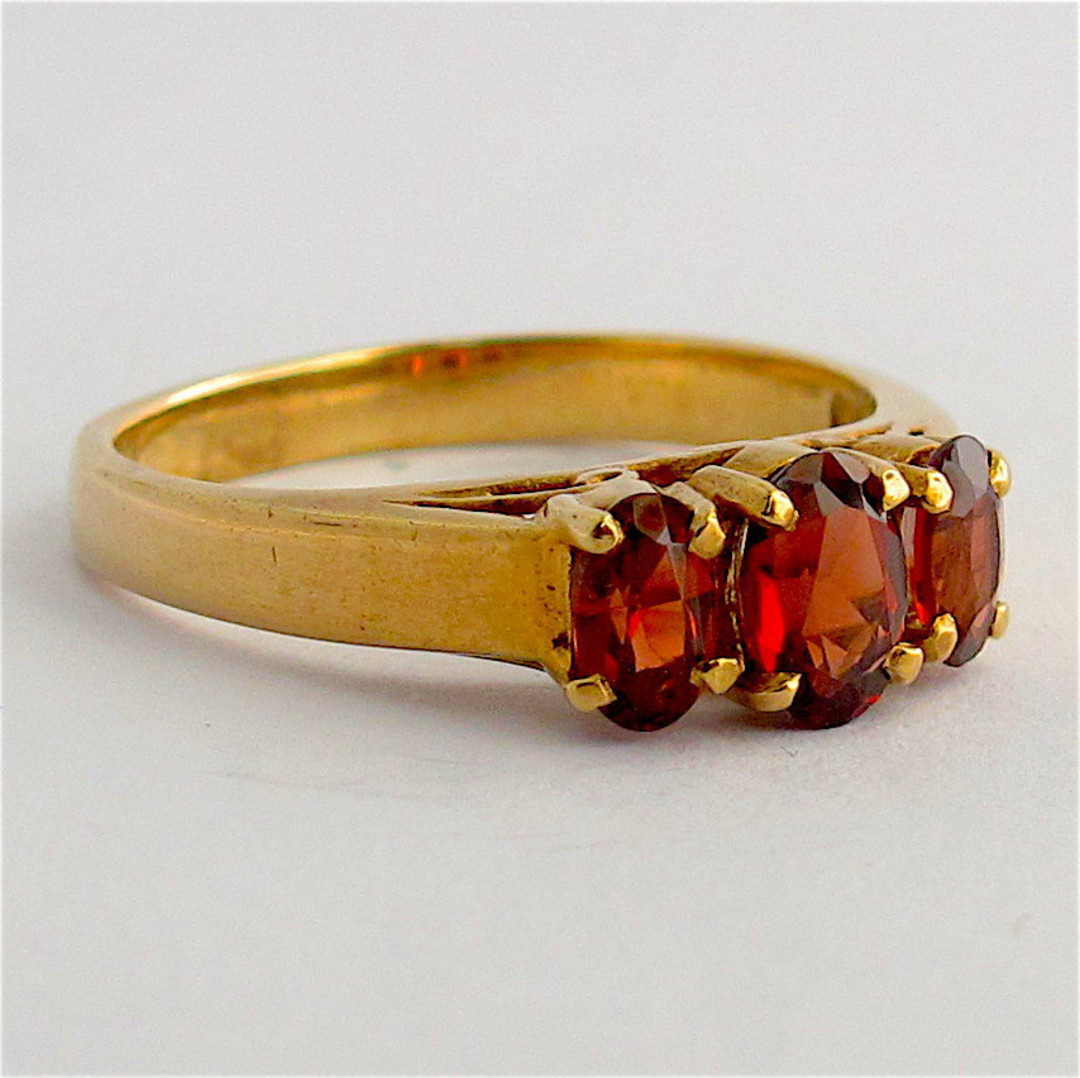 9ct yellow gold 3 stone garnet ring image 1