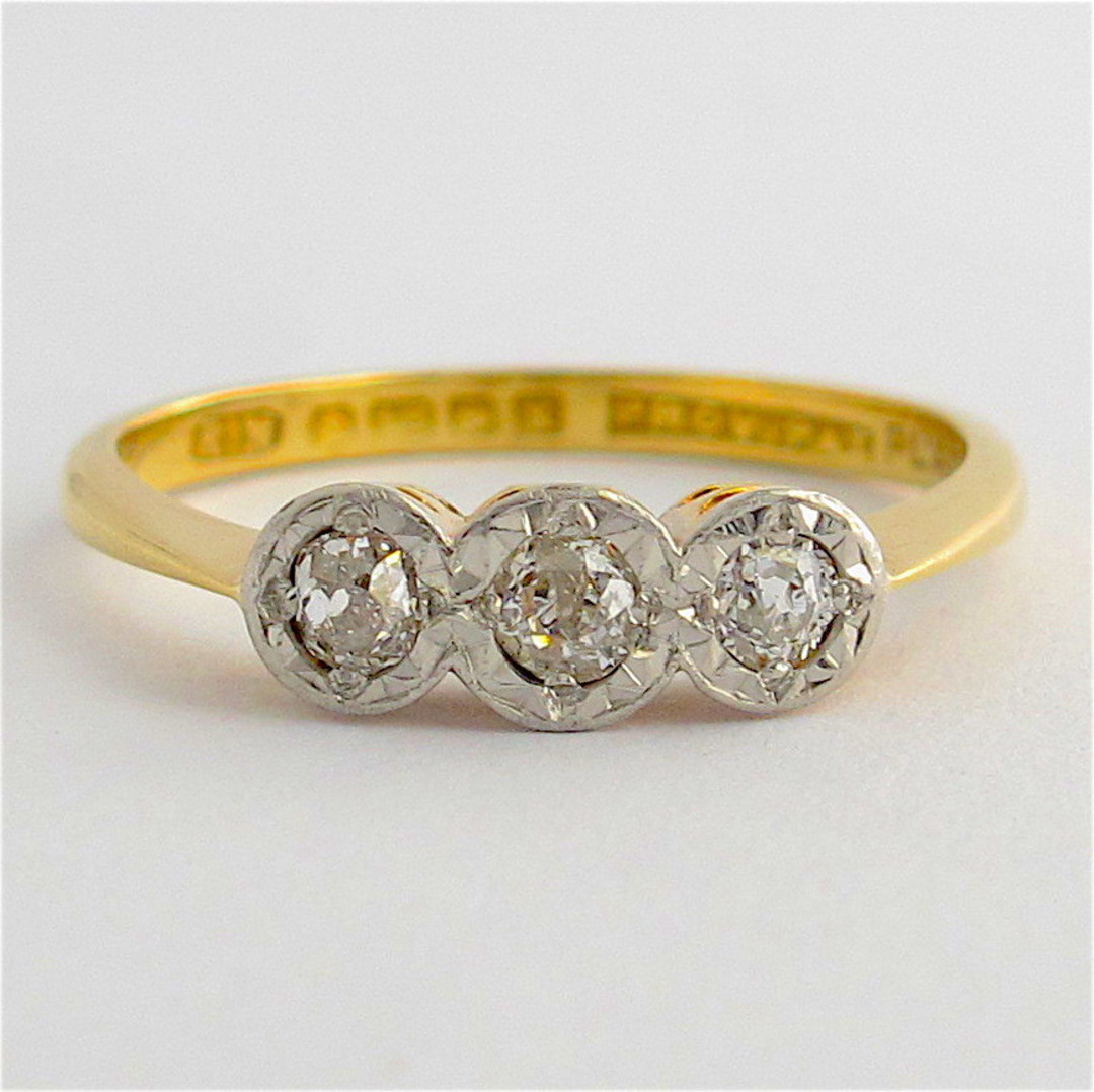 18ct yellow gold/platinum antique 3 stone diamond ring image 0