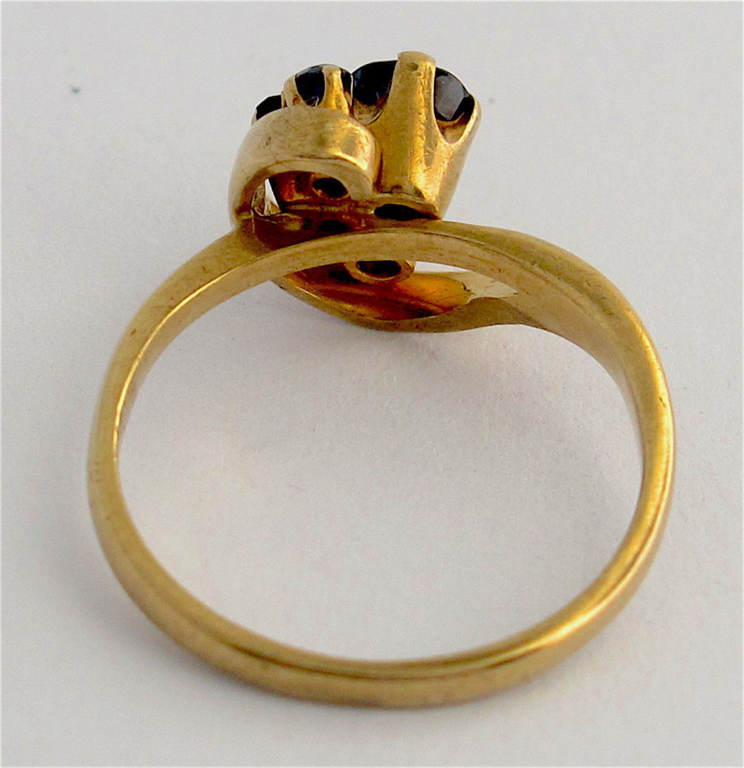 9ct yellow gold sapphire cluster style ring image 2