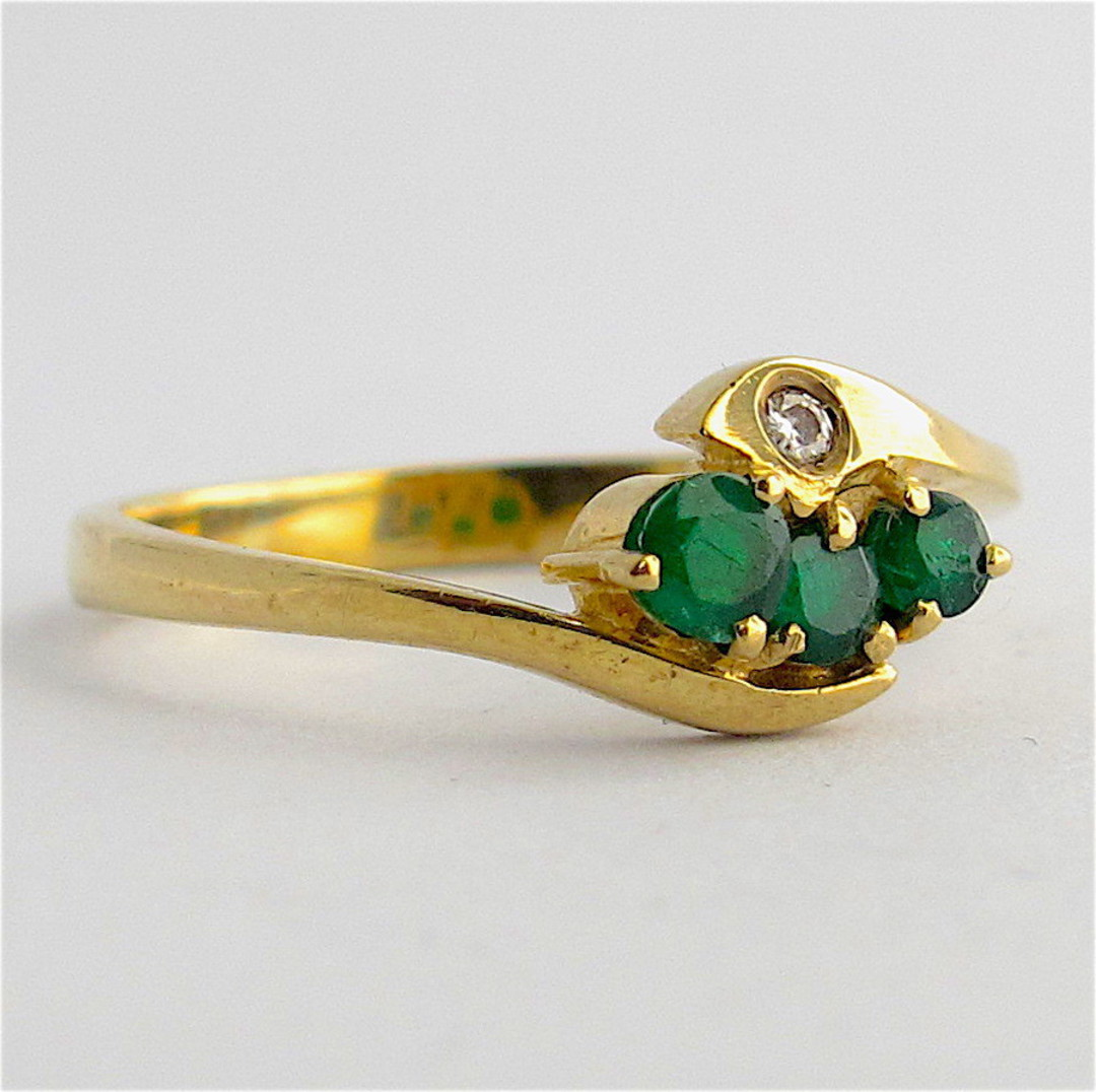 9ct yellow gold natural emerald and diamond ring image 1