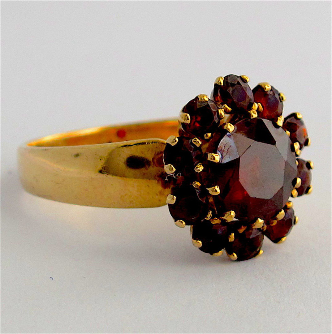 9ct yellow gold garnet cluster dress ring image 1
