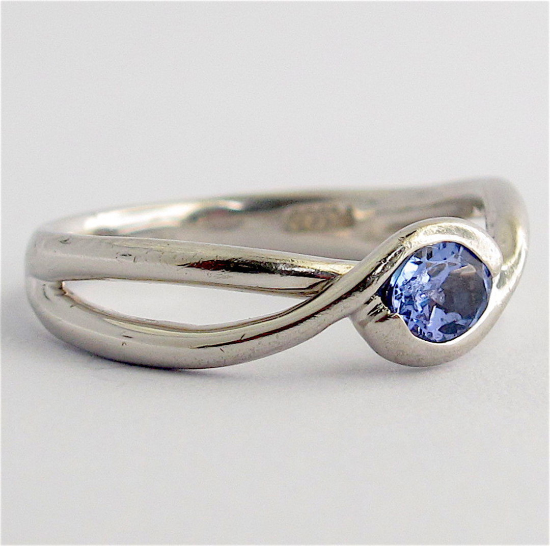 Platinum and tanzanite ring image 1