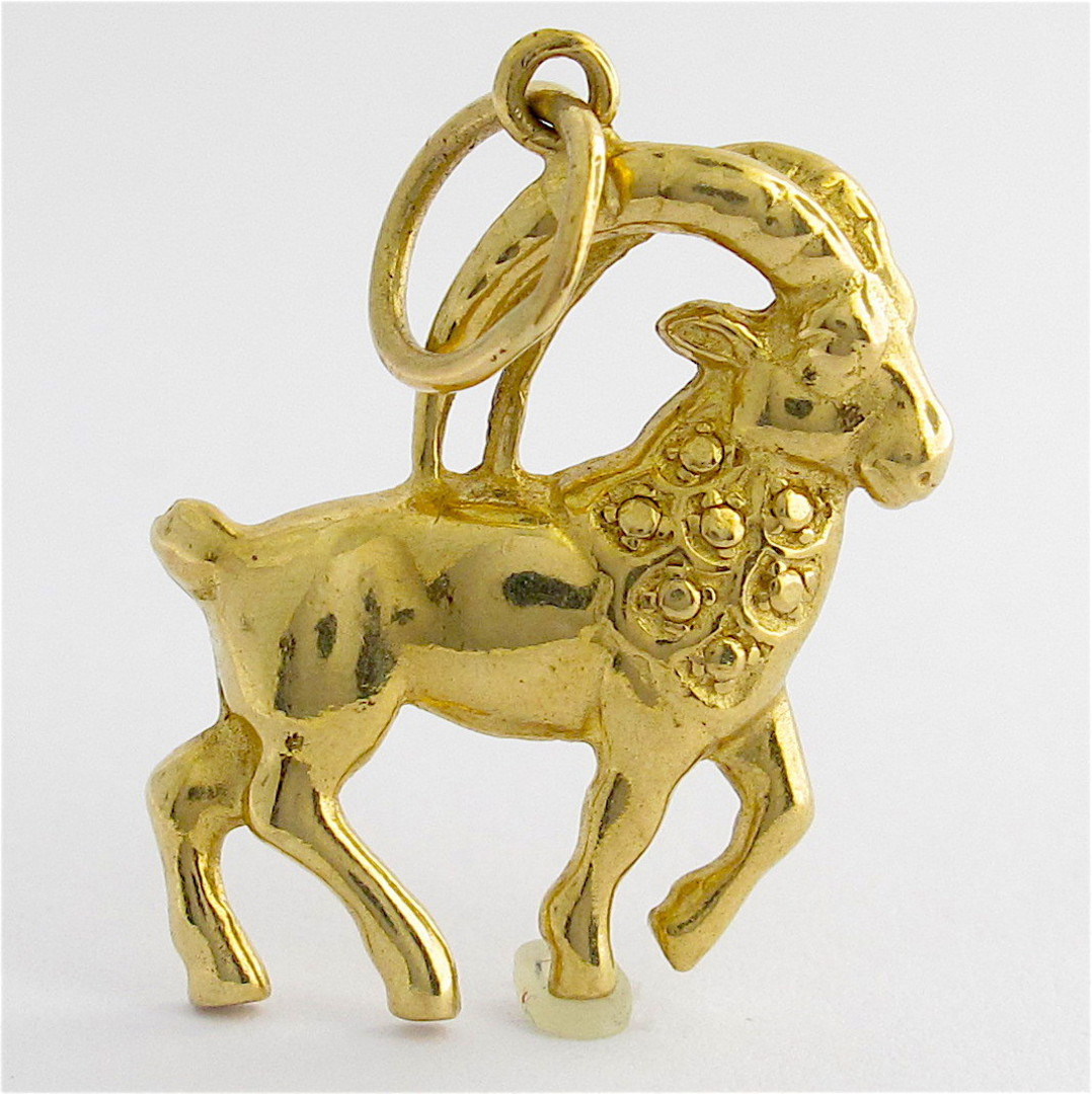 9ct yellow gold wild bighorn sheep/ram image 0