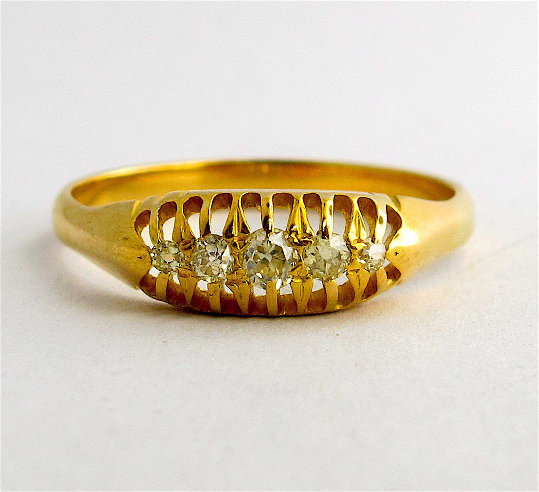 18ct yellow gold antique diamond ring image 0