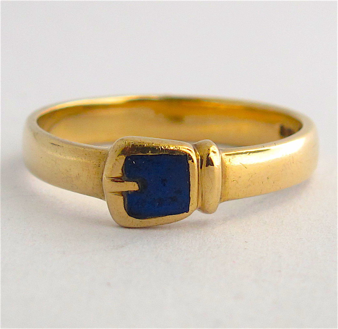 9ct yellow gold British Hallmarked buckle style lapis dress ring image 0