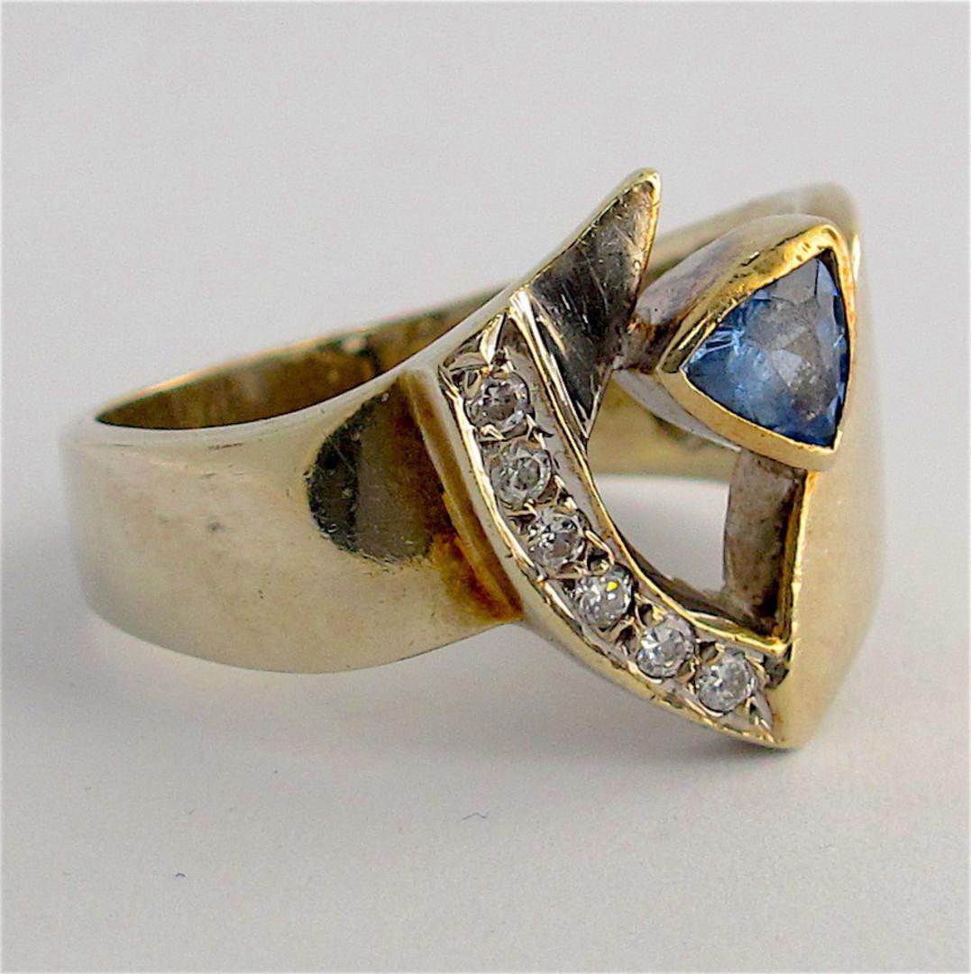 9ct white gold ceylonese sapphire and cubic zirconia ring image 1