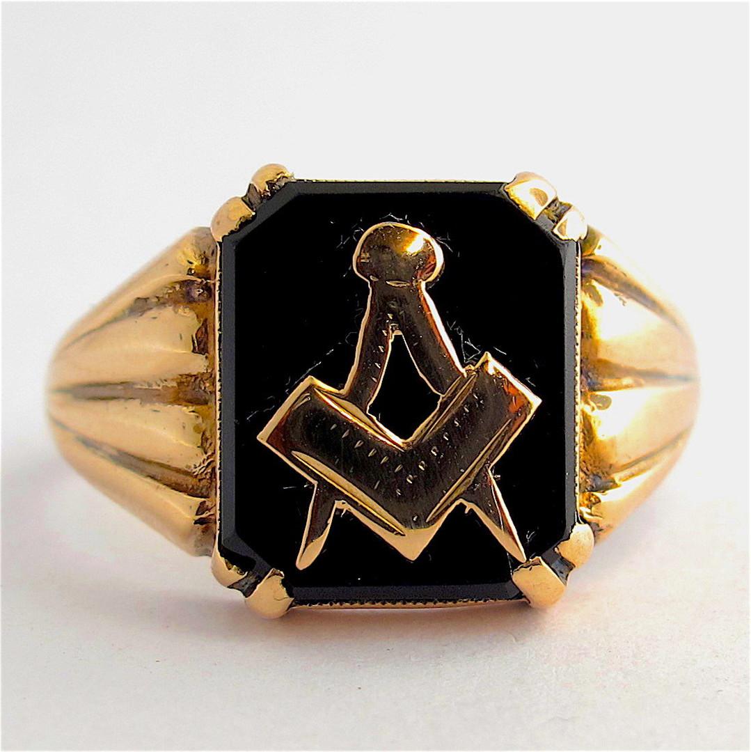 Men's 9ct rose gold vintage 'Masonic' signet ring image 0