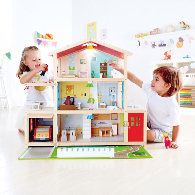 Hape Doll Family Mansion - FREE DELIVERY image 7