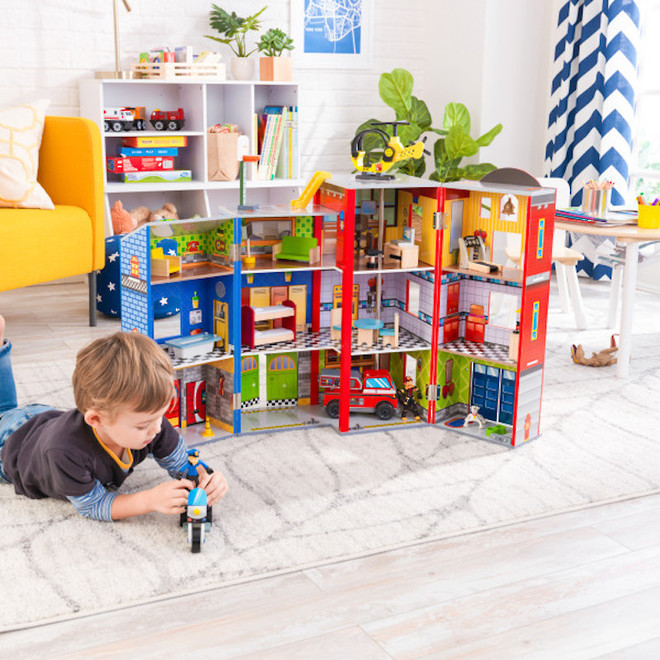 Kidkraft Everyday Heroes Play set - FREE DELIVERY image 2
