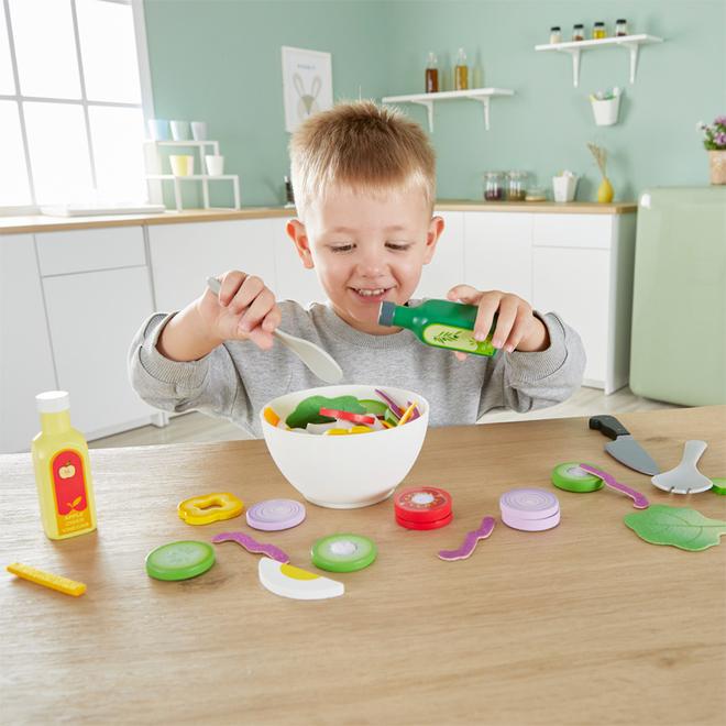 Hape Healthy Salad Playset image 1
