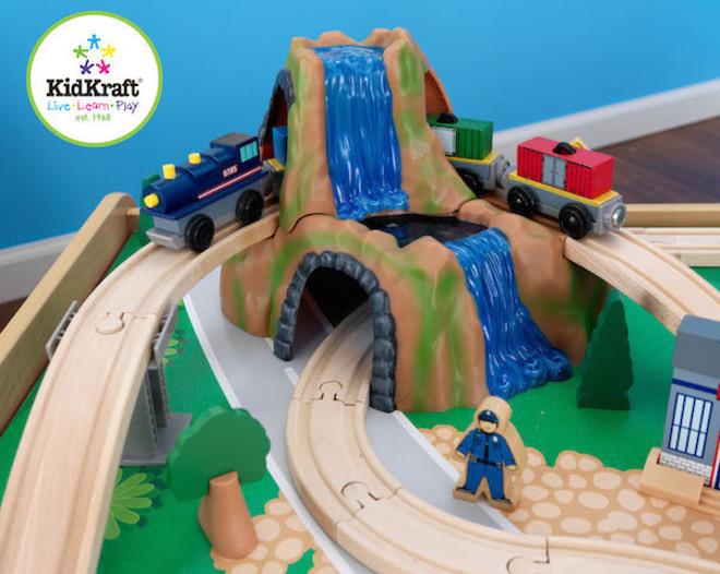 Kidkraft Waterfall Mountain Train set & Table image 5