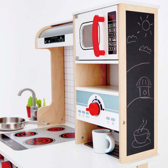 Hape All-in-One Kitchen image 6