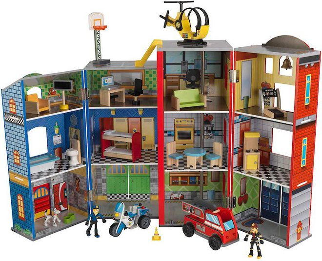 Kidkraft Everyday Heroes Play set - FREE DELIVERY image 0