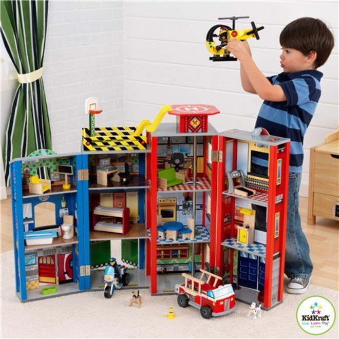 Kidkraft Everyday Heroes Wooden Play set - FREE DELIVERY image 0