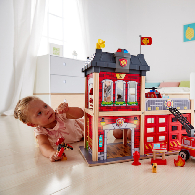 Hape City Fire Station - FREE DELIVERY image 2