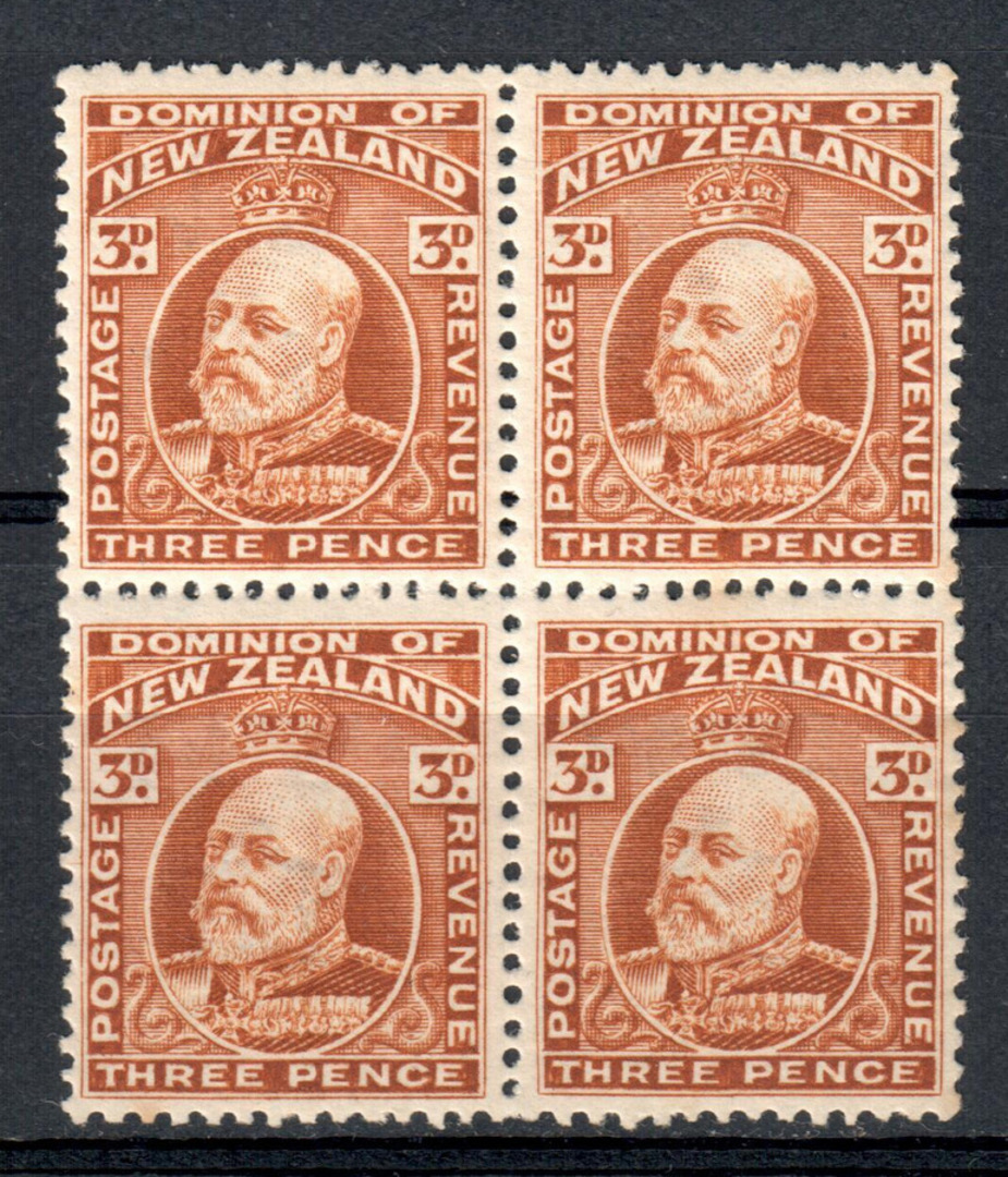 NEW ZEALAND 1909 Edward 7th 3d Chestnut. Block of 4. 3 UHM and 1 LHM - 79554 - UHM image 0