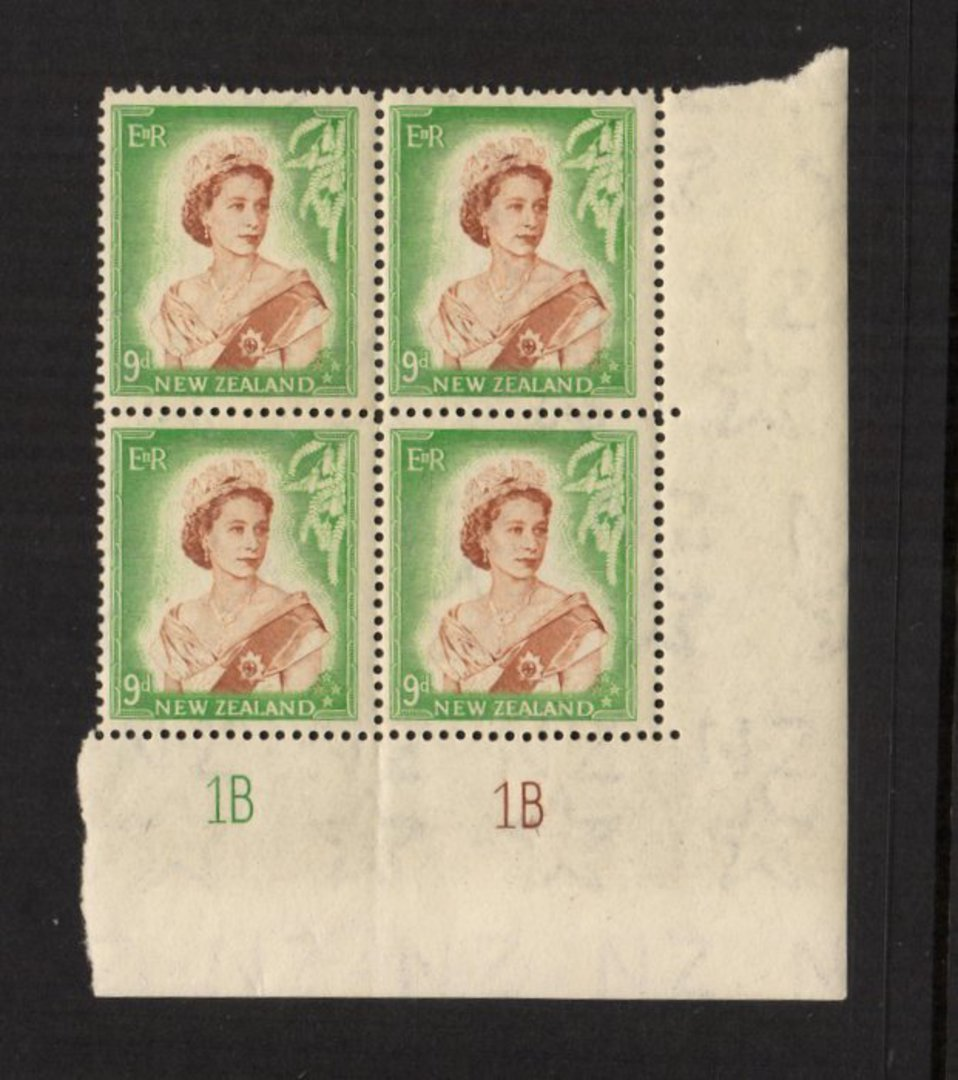 NEW ZEALAND 1953 Elizabeth 2nd Definitive 9d Brown and Green. Plate 1B 1B. Block of 4. - 55676 - UHM image 0