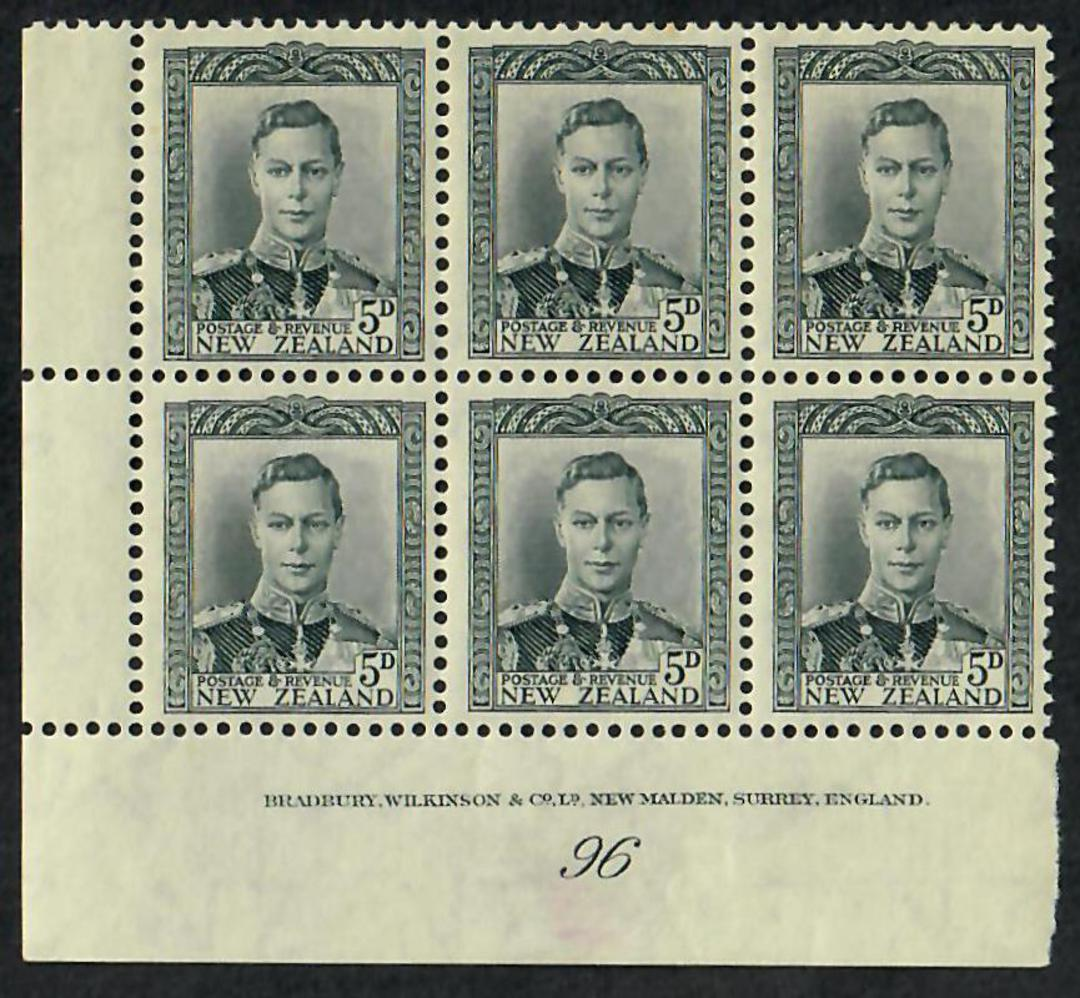 NEW ZEALAND 1938 Geo 6th Definitive 5d Grey. Block of 6. Plate 96 in the course paper. - 21869 - Mint image 0