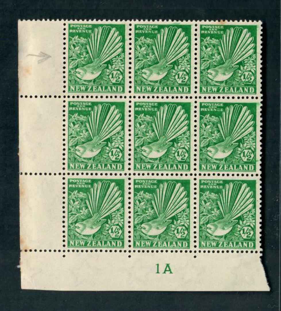 NEW ZEALAND 1935 Pictorial ½d Green. Block of 9 including Row 8/1 Clematis Flaw and Row 8/3 Flaw beneath the ½d . Toning on the image 0