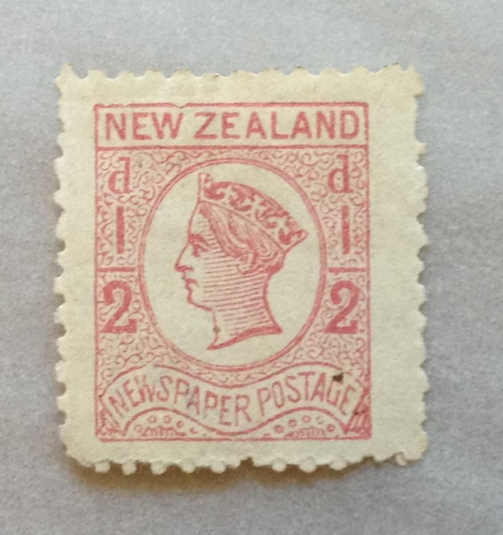 NEW ZEALAND 1873 Newspaper ½d Pale Dull Rose. Watermark Star. Perf nearly 12. Dull corner. Wing margin. - 39453 - Mint image 0