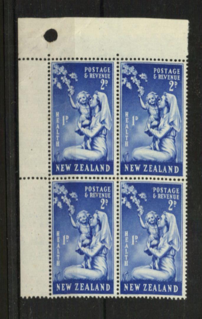 NEW ZEALAND 1949 Health 2d + 1d Blue. Block of 4. Top left corner of the sheet. Includes Row 1/2 No Dot below the 1d. - 21132 - image 0