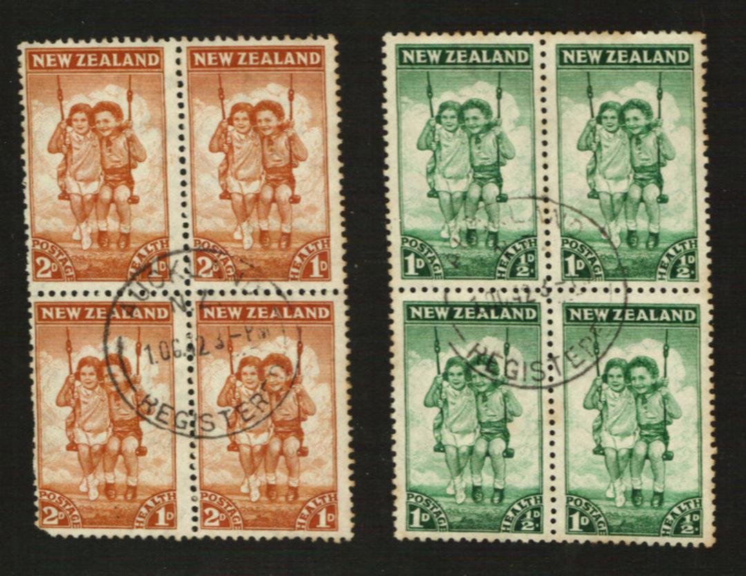 NEW ZEALAND 1942 Health in blocks of 4. Fine cds. - 21837 - FU image 0