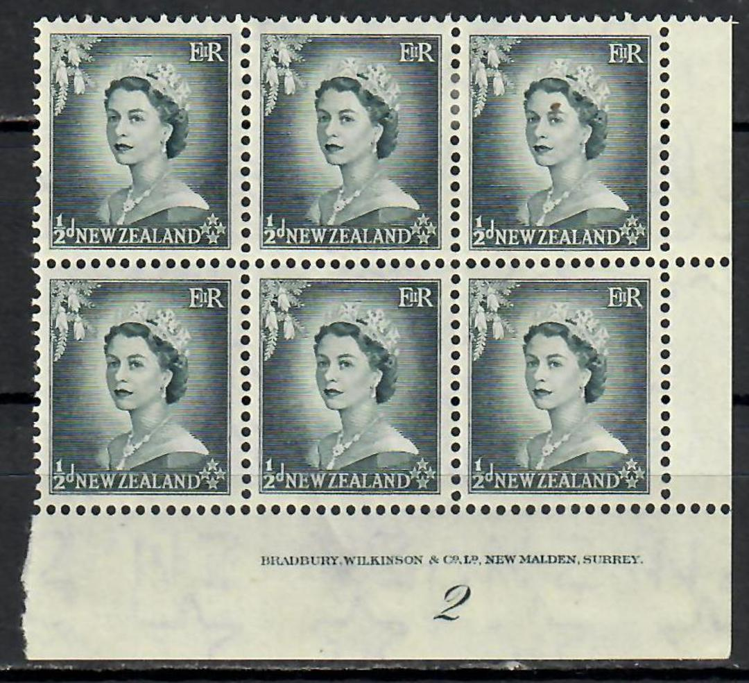 NEW ZEALAND 1953 Elizabeth 2nd Definitive ½d Grey. Plate Block 2. From the collection of Mr Colin Larson. - 57202 - LHM image 0