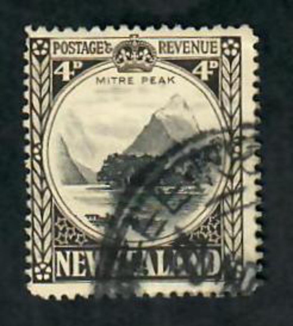 NEW ZEALAND 1935 Pictorial 4d Perf 14 Line. Wartime issue. Sound copy. Postmark heavy. - 20114 - Used image 0