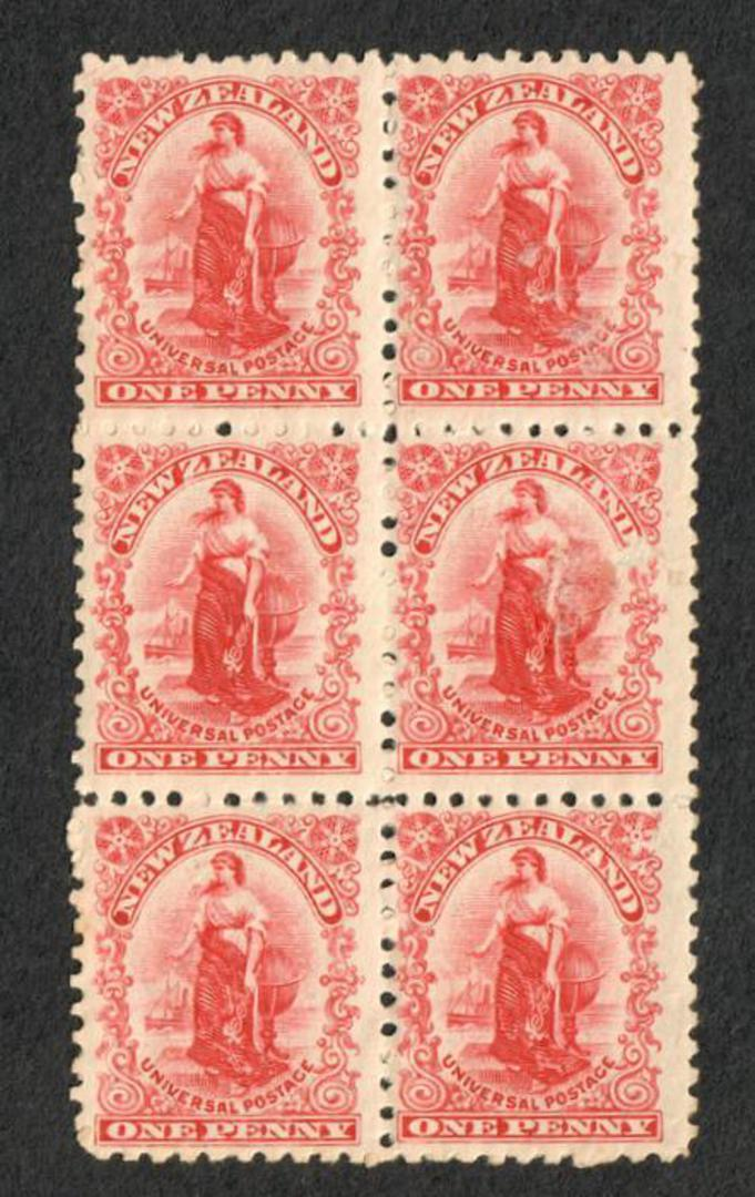 NEW ZEALAND 1901 1d Universal. Block of 6. Unhinged but the gum is disturbed. - 74602 - UHM image 0