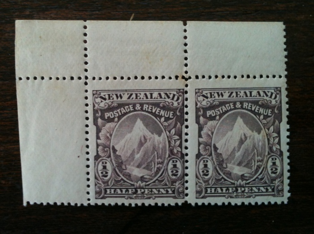 NEW ZEALAND 1898 Pictorial ½d Purple. Pair in mint never hinged. Perfect. - 79456 - UHM image 0